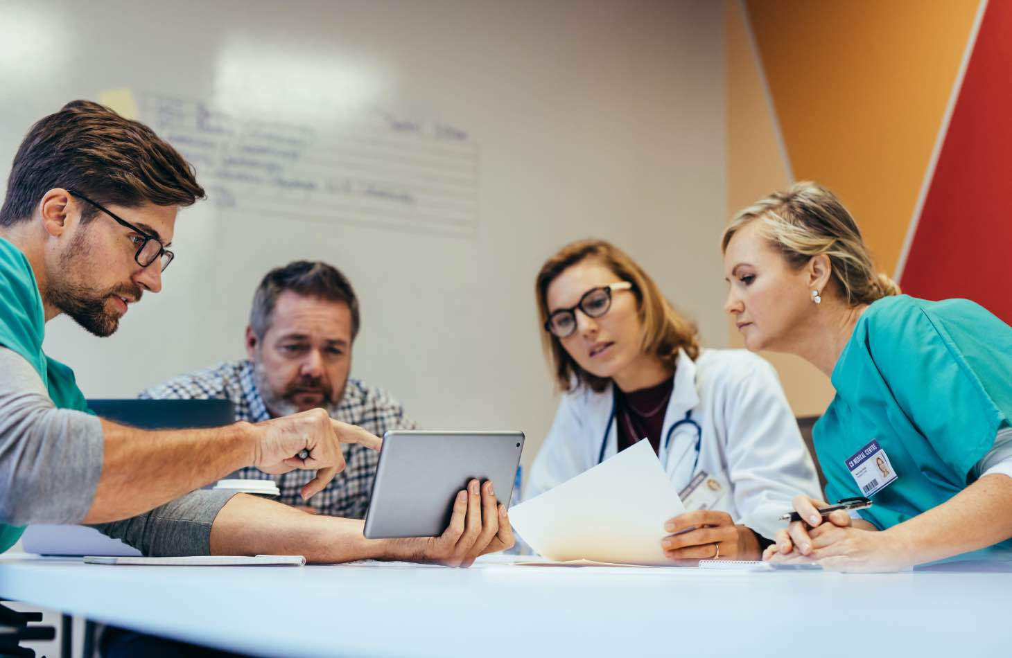 The Hope House Careers Image Of Four Clinicians Developing Personalized Addiction Treatment Plans Together